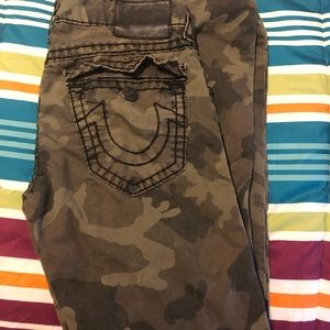 "Men's true religion ""Ricky"" camo pants"